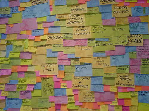 Pinboard with colorful post-its (symbolizing brainstorming)